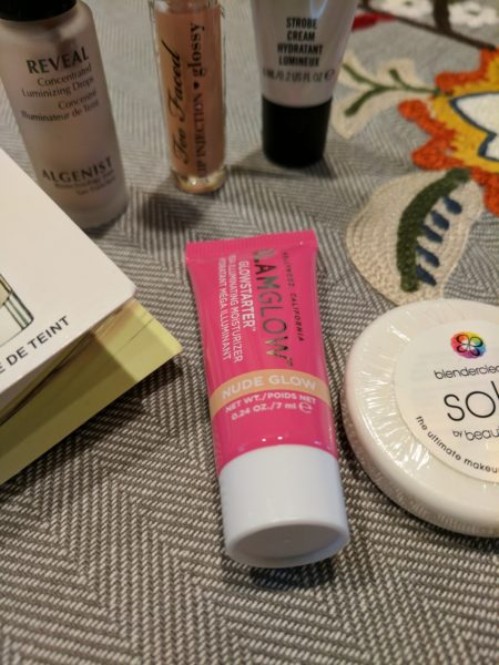 A makeup swap is a great way to get rid of unwanted cosmetic samples.